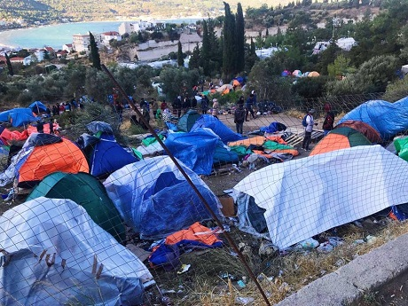 Trois ans après l'accord UE-Turquie : les migrants toujours bloqués dans les hotspots