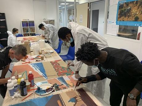 Ecoconstruction d'un salon de coiffure et réalisation d'une fresque à la Maison d'accueil provisoire pour mineurs isolés étrangers – Villa Saint Michel, à Paris